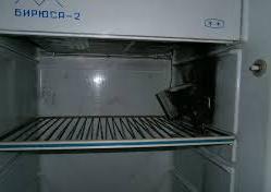 В холодильнике не работает терморегулятор.